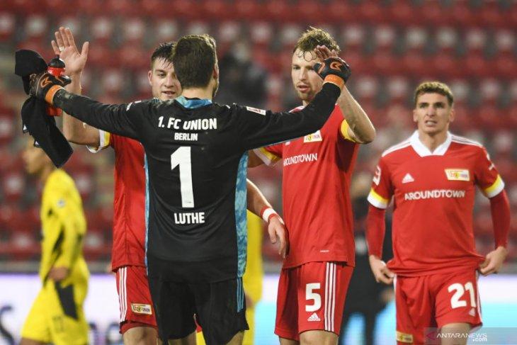 Union taklukkan Dortmund 2-1 untuk nodai gol debut Moukoko