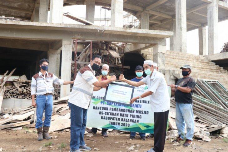 PT SIS bantu pembangunan masjid di wilayah operasional