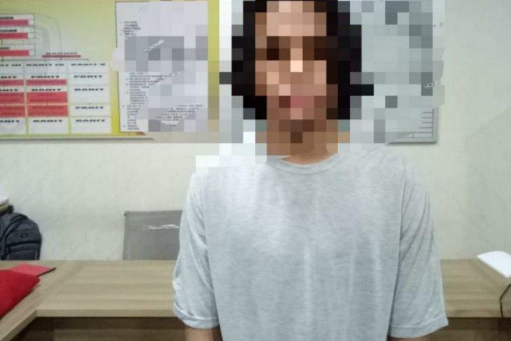 Polda Kalbar tangkap seorang pemuda serang polisi saat unjuk rasa