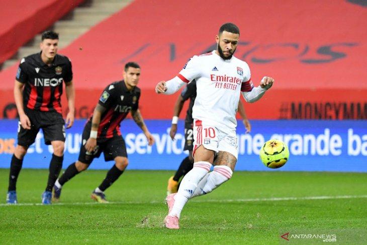 Liga Prancis: Lyon ambil alih puncak setelah kalahkan Nice 4-1