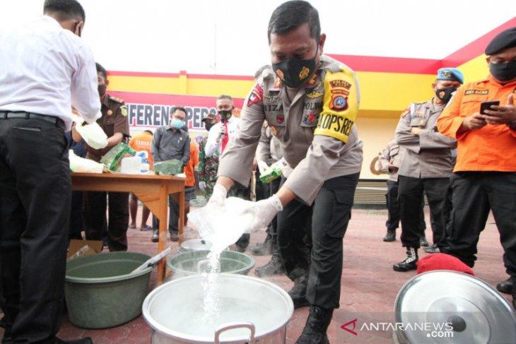 Polisi musnahkan belasan kilogram sabu dan ganja
