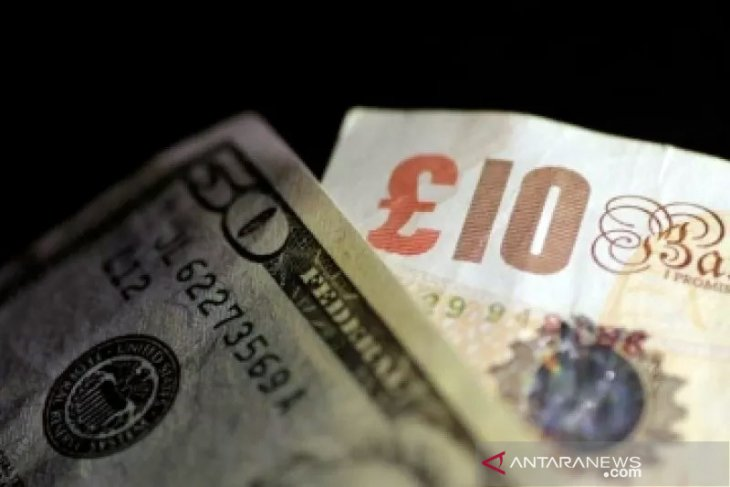 Dolar menguat atas euro dan yen, sementara pound