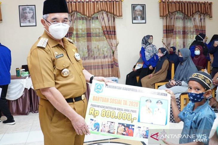 Ratusan KPM di Padang Batung dan Loksado terima bansos APBD Perubahan