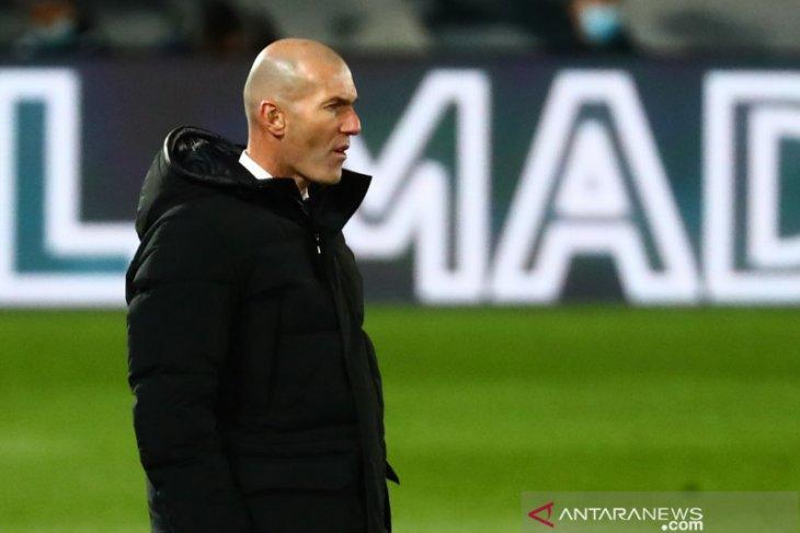 Real Madrid umumkan Zinedine Zidane positif tertular COVID-19