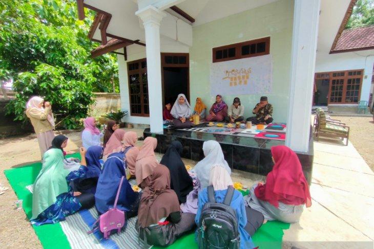 BRLS Bondowoso berbagi semangat menulis dengan siswa Madrasah Aliyah