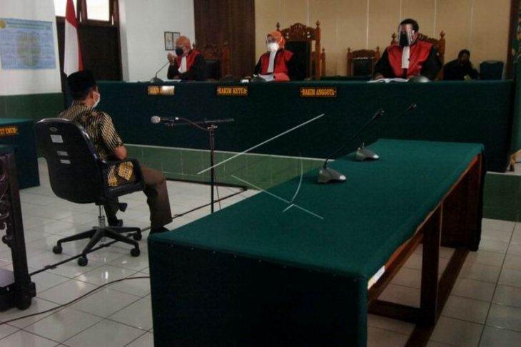 Sidang tuntutan Wakil Ketua DPRD Kota Tegal ditunda