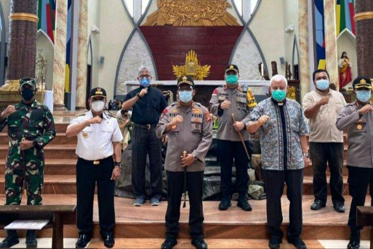 Jelang Natal Kapolda Kalbar turun langsung cek kesiapan pengamanan gereja