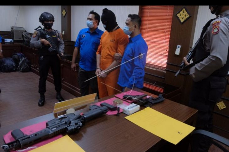 Warga Prancis tersangkut kasus senjata api dan narkoba