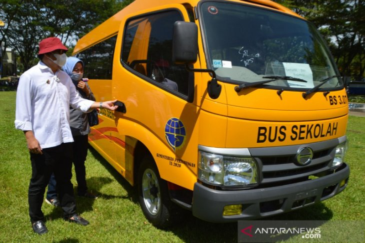 Bone Bolango terima bantuan bus sekolah dari Kemenhub