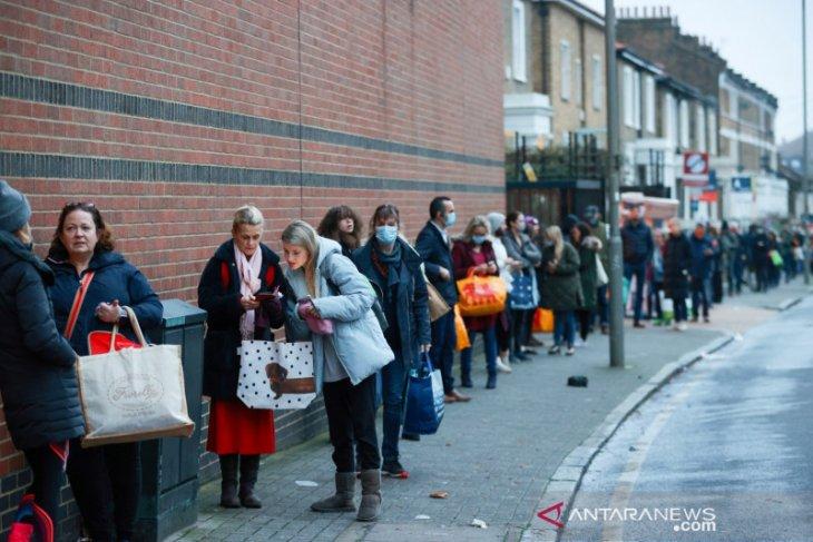 Varian baru COVID-19 menggila, Inggris kembali 'lockdown'