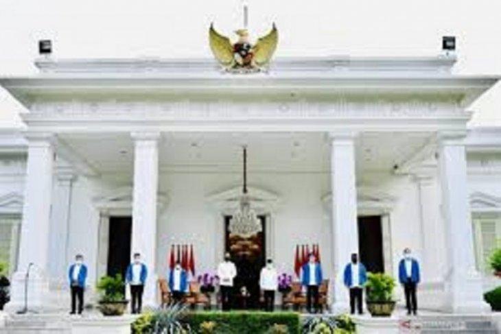 Formasi baru kabinet dengan semangat baru