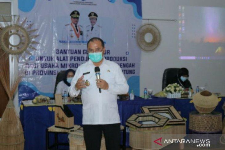 12 pelaku UMKM lidi nipah dapat bantuan alat produksi