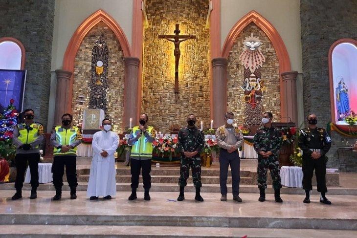Kepolda Jambi sampaikan  selamat natal kepada jemaat gereja