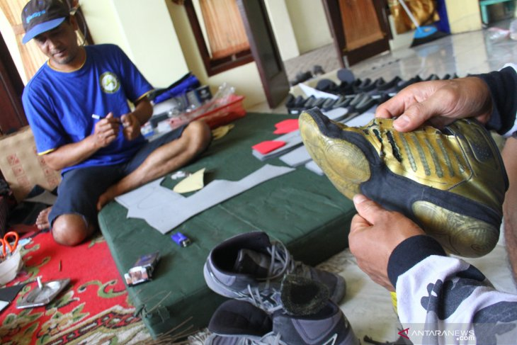 Kerajinan sepatu gulat