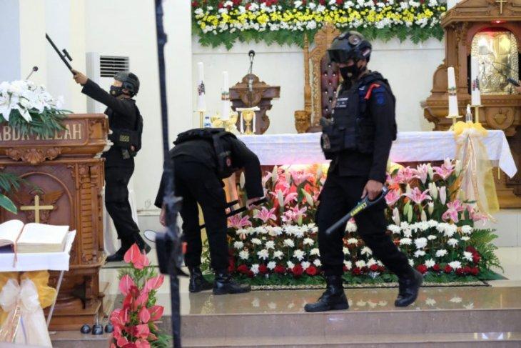 Polda Malut seterilkan tiga gereja di Ternate antisipasi aksi teror