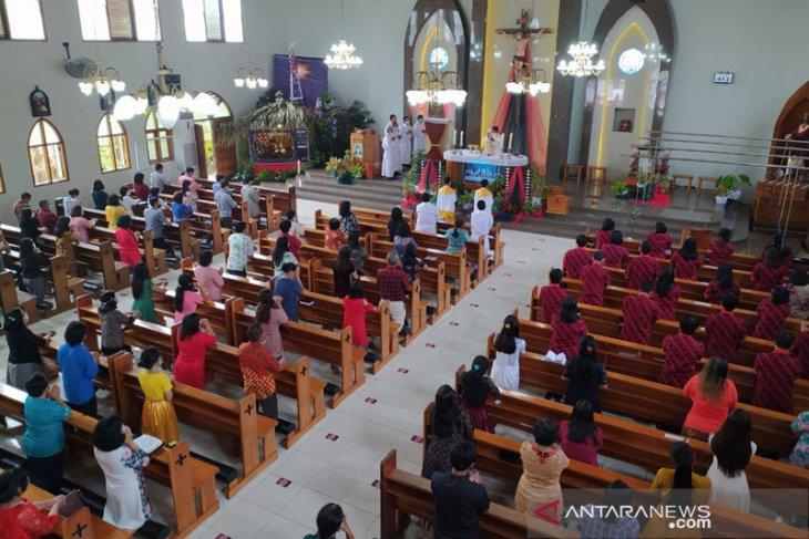 Hindari COVID-19, gereja di Bengkulu terapkan sesi ibadah Natal