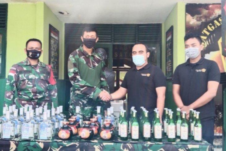 Satgas Pamtas gagalkan penyelundupan minuman keras di perbatasan Sekayam