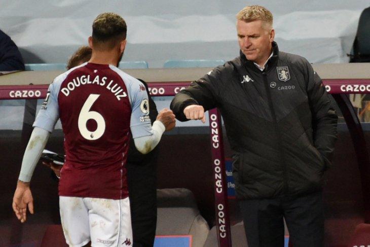 Bos Aston Villa sanjung merayakan pertandingan