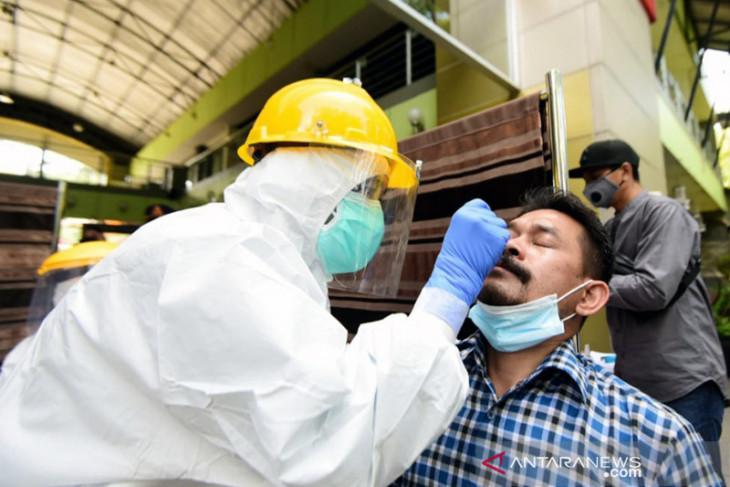 Dalam dua bulan, kasus COVID-19 di Indonesia meningkat 130 persen
