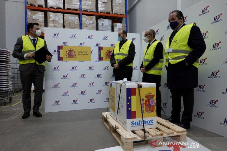 Potong antrean vaksin, pejabat di Spanyol mundur