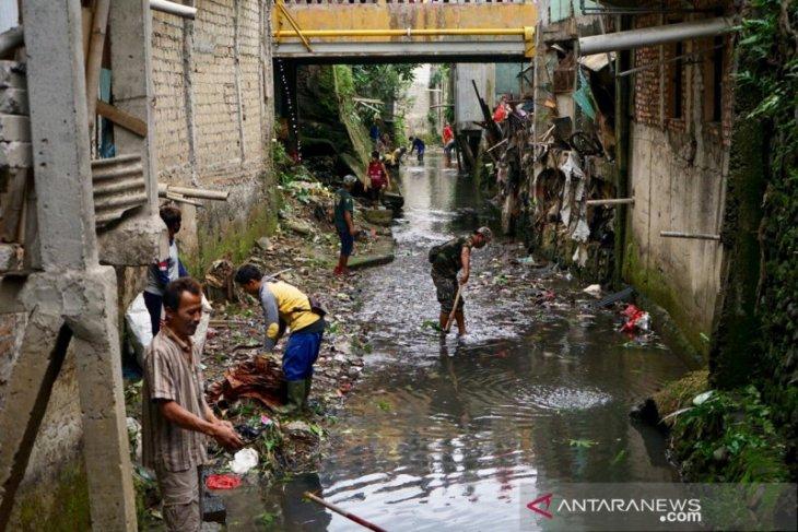 Dedie A Rachim ajak warga Kota Bogor bersihkan kali Cibalok dari sampah