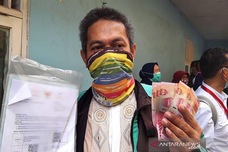Jokowi: Dana bansos jangan digunakan untuk beli rokok