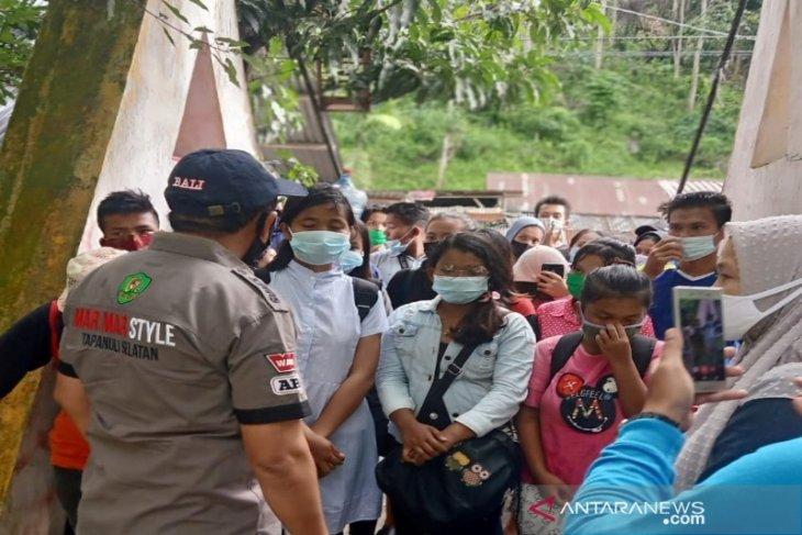 Antisipasi klaster baru, obyek wisata Tapsel batasi pengunjung ditengah pandemi