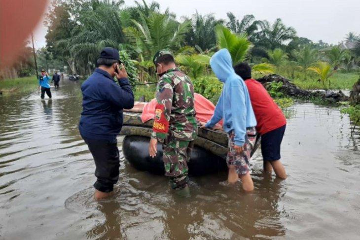Langkat dilanda banjir 61 jiwa warga Hinai mengungsi