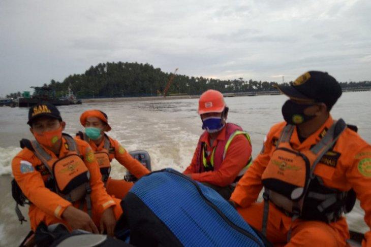 SAR cari satu ABK jatuh di perairan Pulau Temajuk