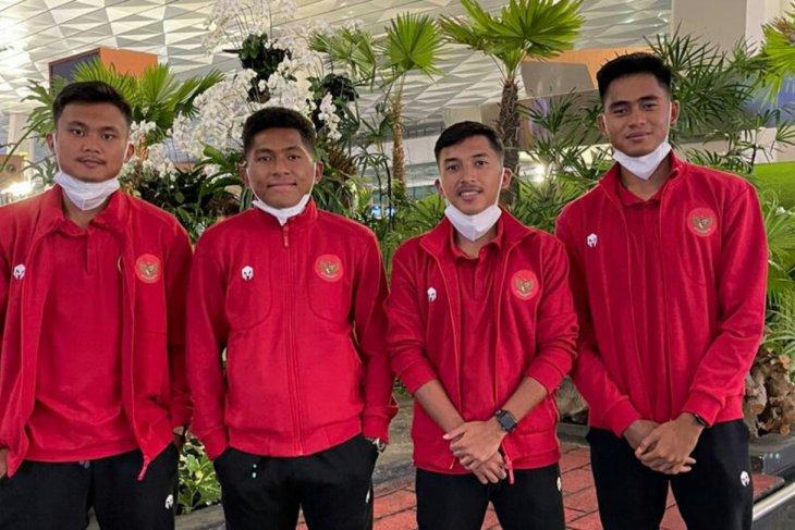 Manajemen  Borneo FC minta empat pemainnya di timnas U-19 berperilaku disiplin