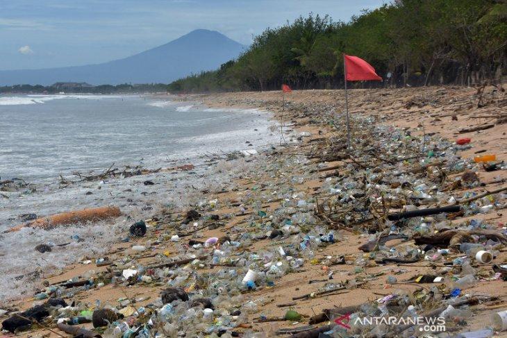 Bali's Kuta Beach cleared of 30 tons of marine litter