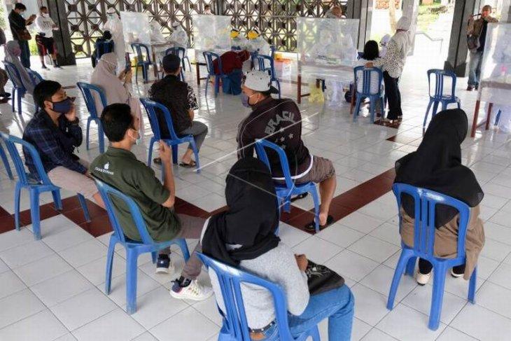 Tes cepat antigen wisatawan Candi Borobudur