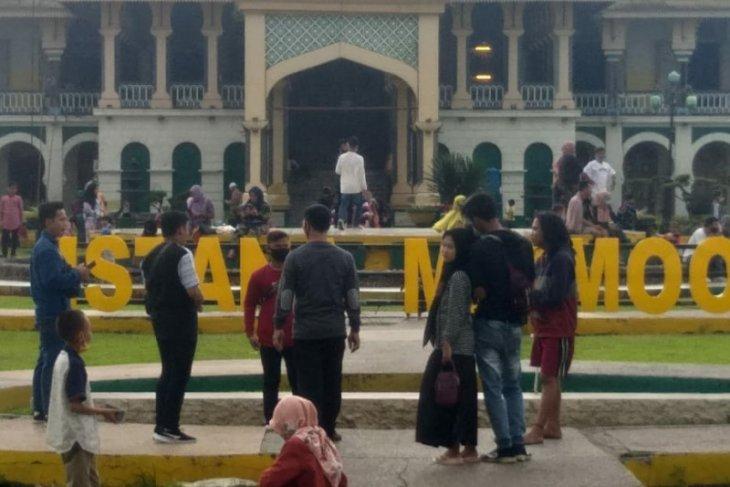 Pesona Istana Maimun Medan di musim kunjungan akhir tahun