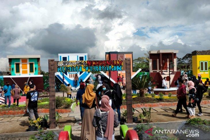 Lokasi wisata di Rejang Lebong dipadati pengunjung