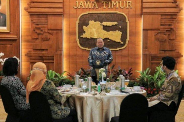 Ketua DPD RI  doakan Khofifah segera sembuh dari COVID-19