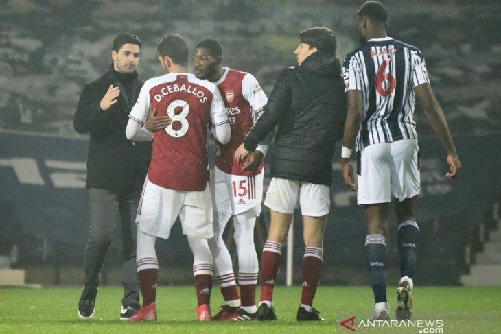 Arsenal mencukur habis tuan rumah West Bromwich Albion 4-0
