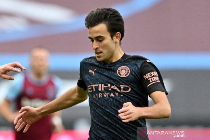 Bek Manchester City Eric Garcia positif COVID-19