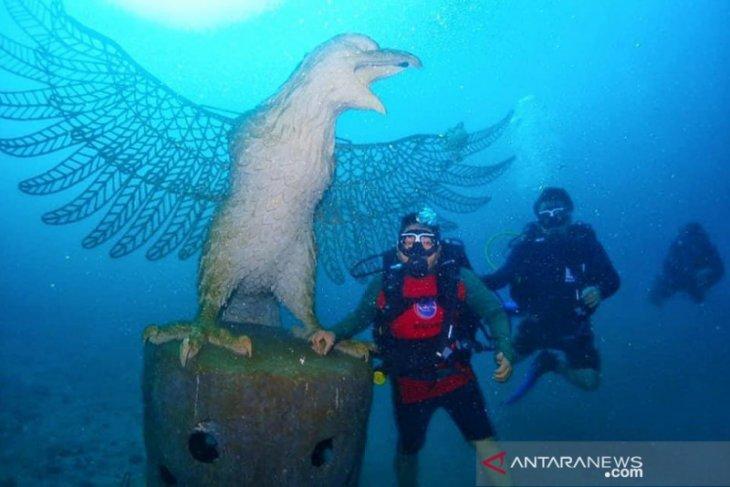 Ribuan struktur karang ICRG hiasi bawah laut Bali