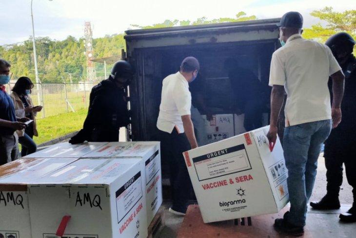 Wali Kota Ambon Pejabat Pemkot sasaran prioritas vaksin COVID-19