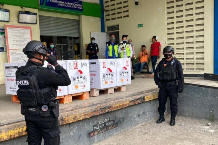 15.120 vial vaksin COVID-19 tiba di Ambon