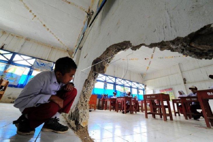 Akses pendidikan desa terpencil di Kerinci