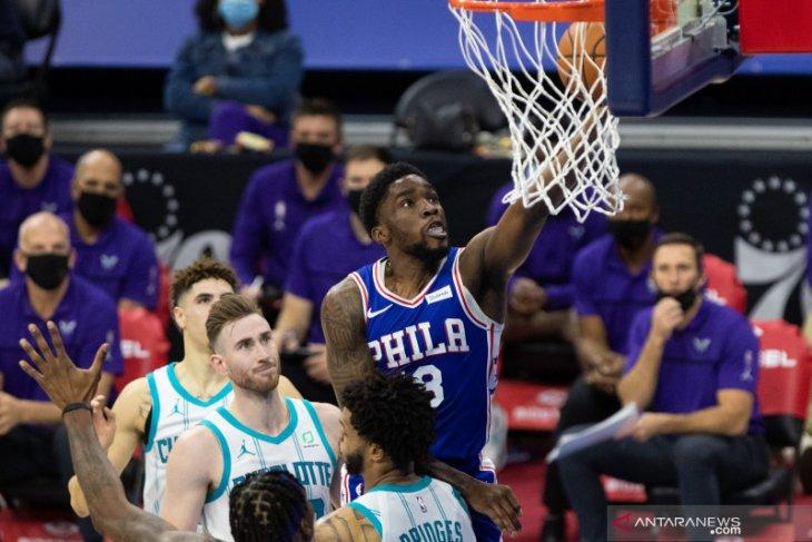 Tujuh pemain 76ers mencetak dobel digit saat menang atas Hornets