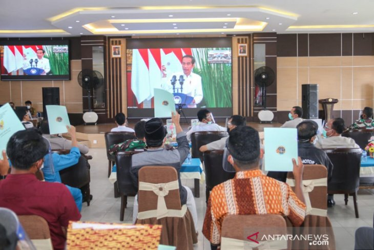 Presiden Jokowi serahkan 1.387 sertifikat tanah untuk warga Batam