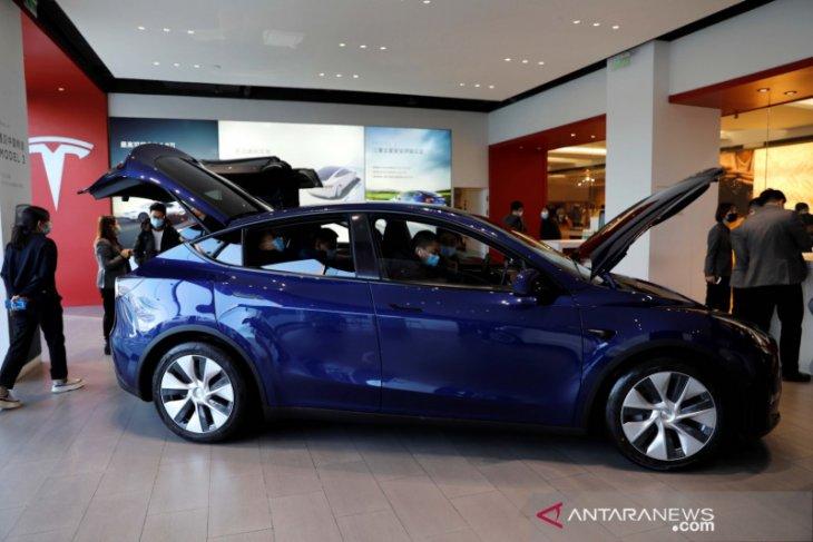 Tesla luncurkan varian versi yang lebih murah untuk Model Y