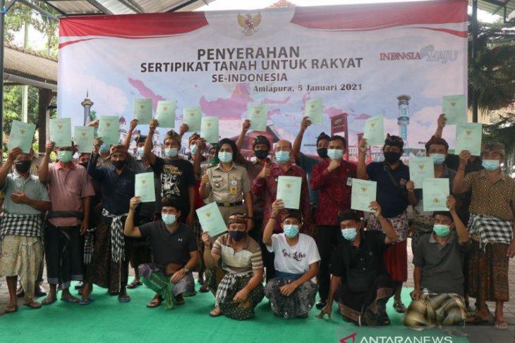 20 warga Karangasem terima sertifikat tanah dari Presiden