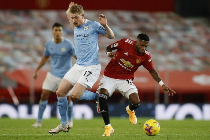 Duo Manchester bertemu, lepas kutukan dan lanjutkan dominasi
