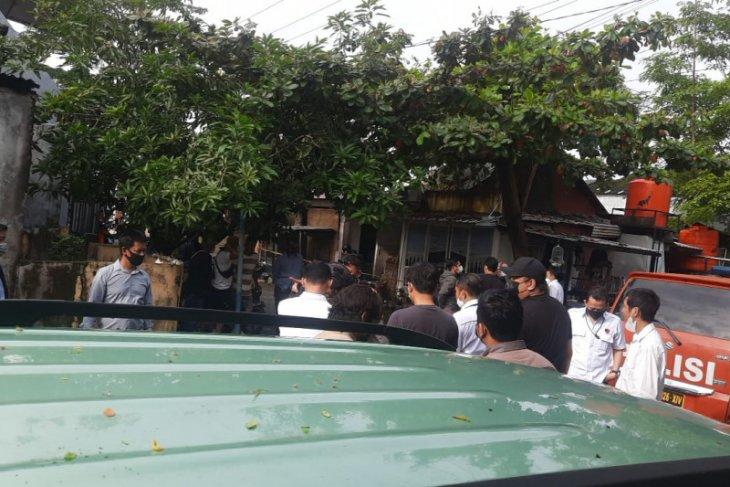 Densus 88 gerebek rumah terduga teroris di Makassar