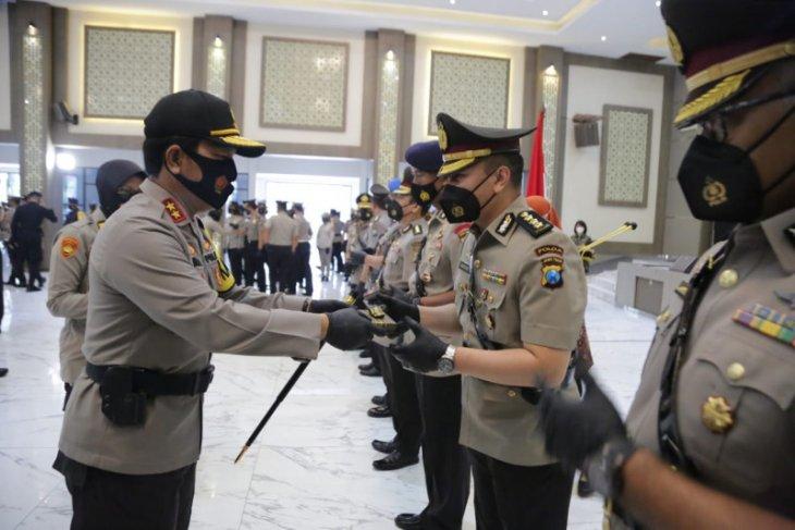 Kapolda Jatim lantik tujuh pejabat utama dan kapolres jajaran