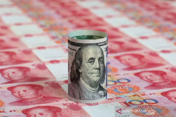 Dolar jatuh, sentimen risiko naik karena optimisme pemerintahan Biden