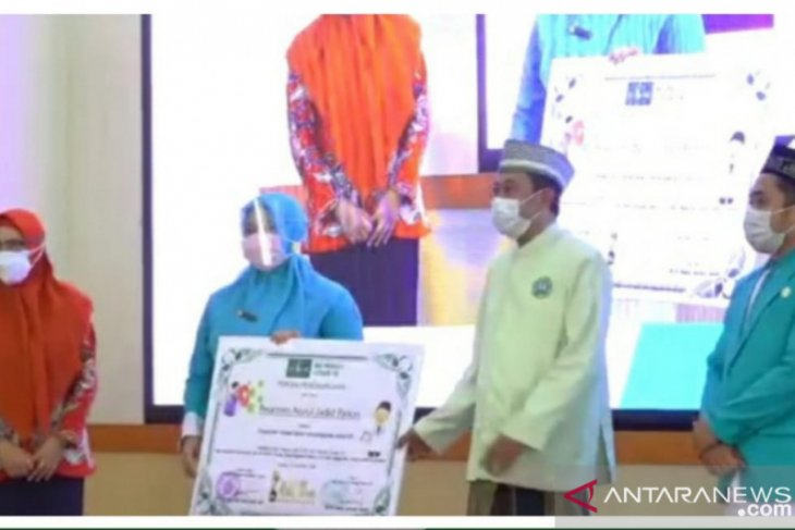 Ponpes Nurul Jadid Probolinggo peroleh penghargaan pesantren terbaik penanganan COVID-19